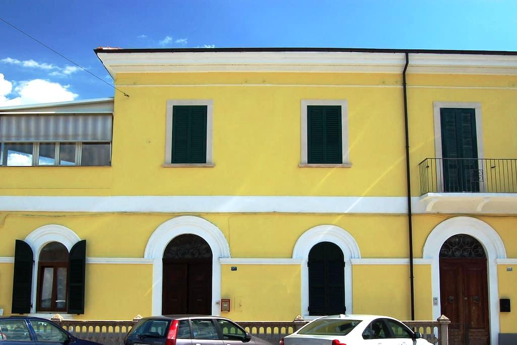 Appartamento fronte stazione FS - Popoli - Huoneisto