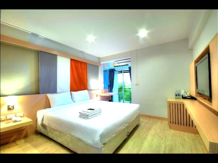Superior DBL/TWN+ABF+FREE transfer - Bangkok - Bed & Breakfast