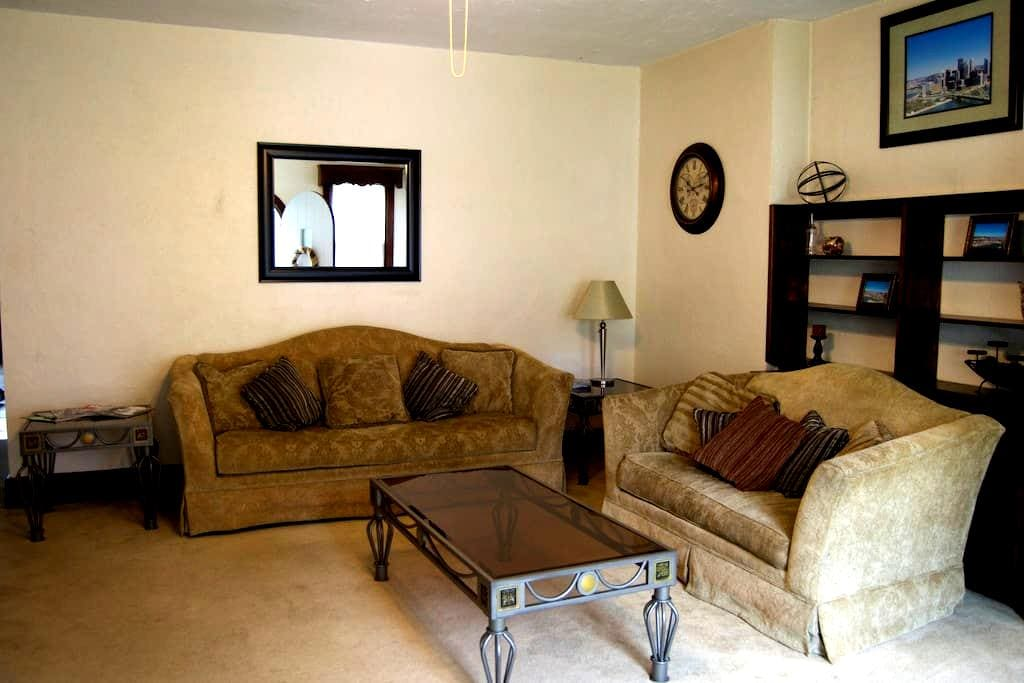 Relaxing Retreat, minutes from city - Pittsburgh - Apartemen