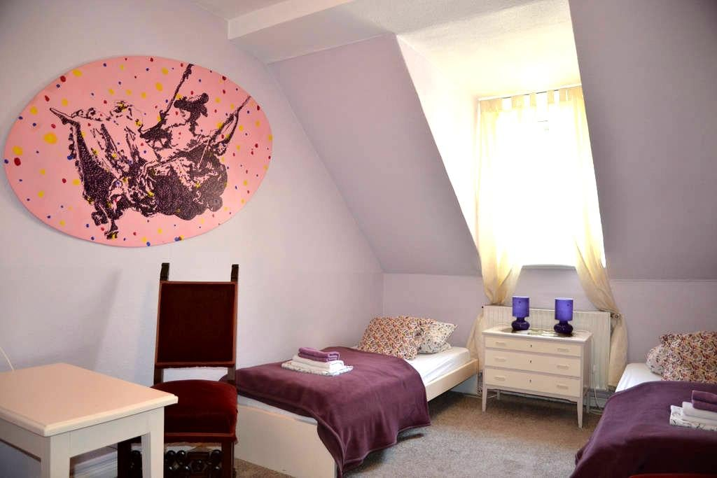 Gästehaus ARTE |P|  73  Zimmer Violett - Bremen