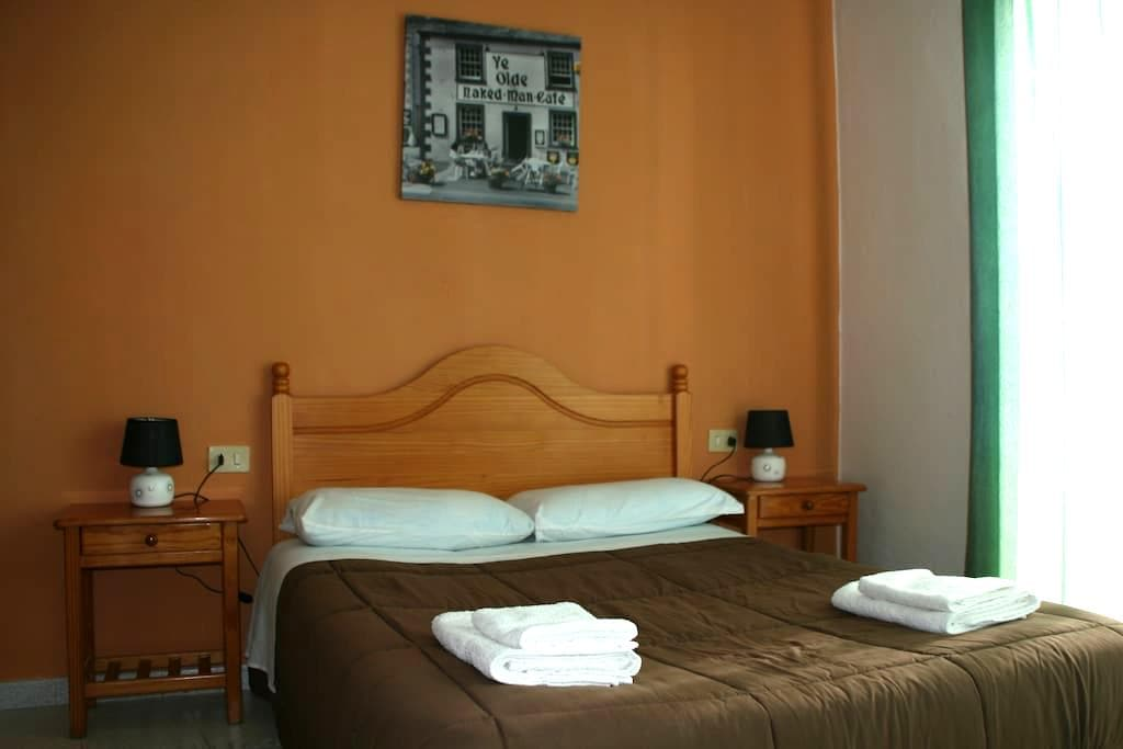 Preciosa habitacion en Fuencaliente - Los Canarios