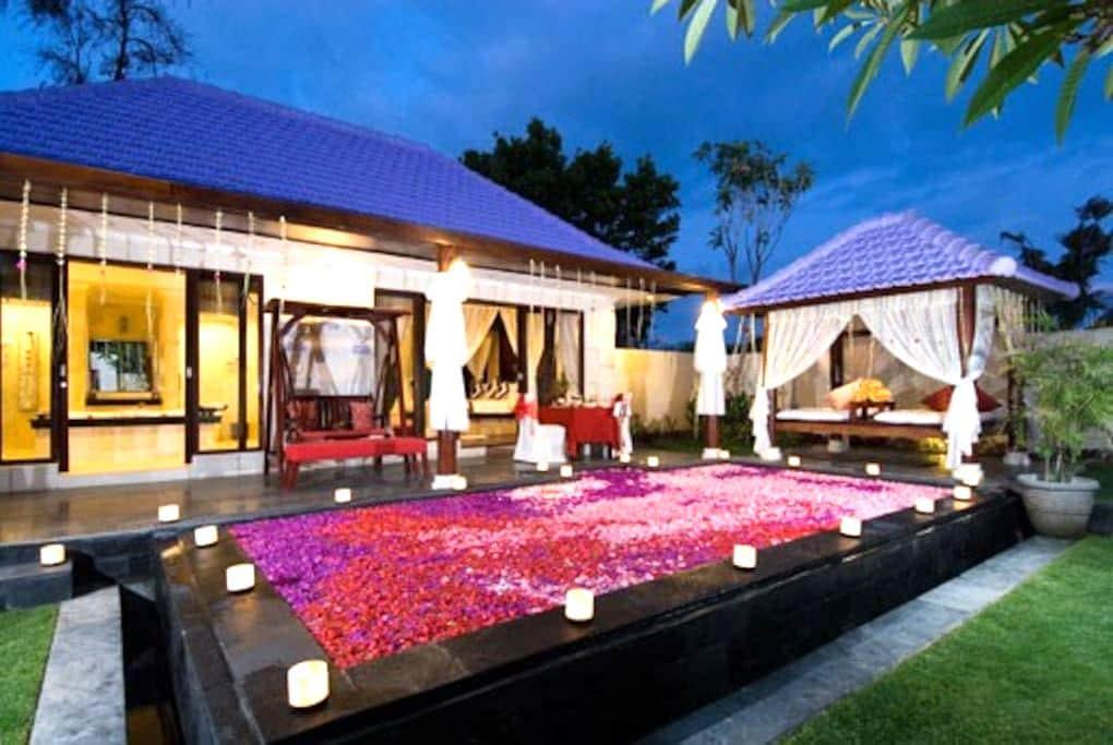 Romantic One Bed Room Pool Villa In Kuta Center - Kuta - Villa