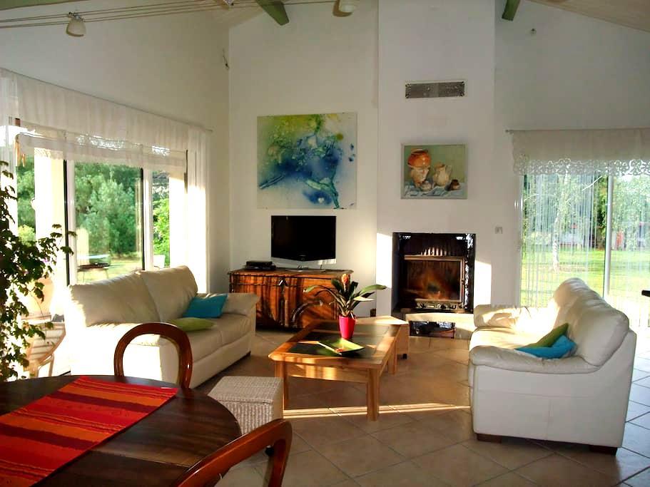 maison agréable à la campagne - Bioule - Casa