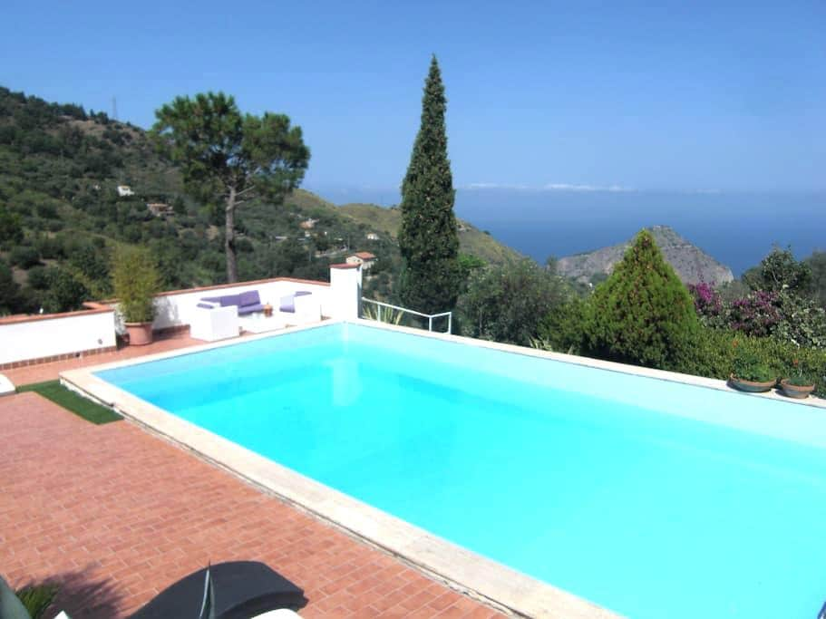 01 Villa with pool in Sicily Cefalù 5 bedrooms - Cefalú