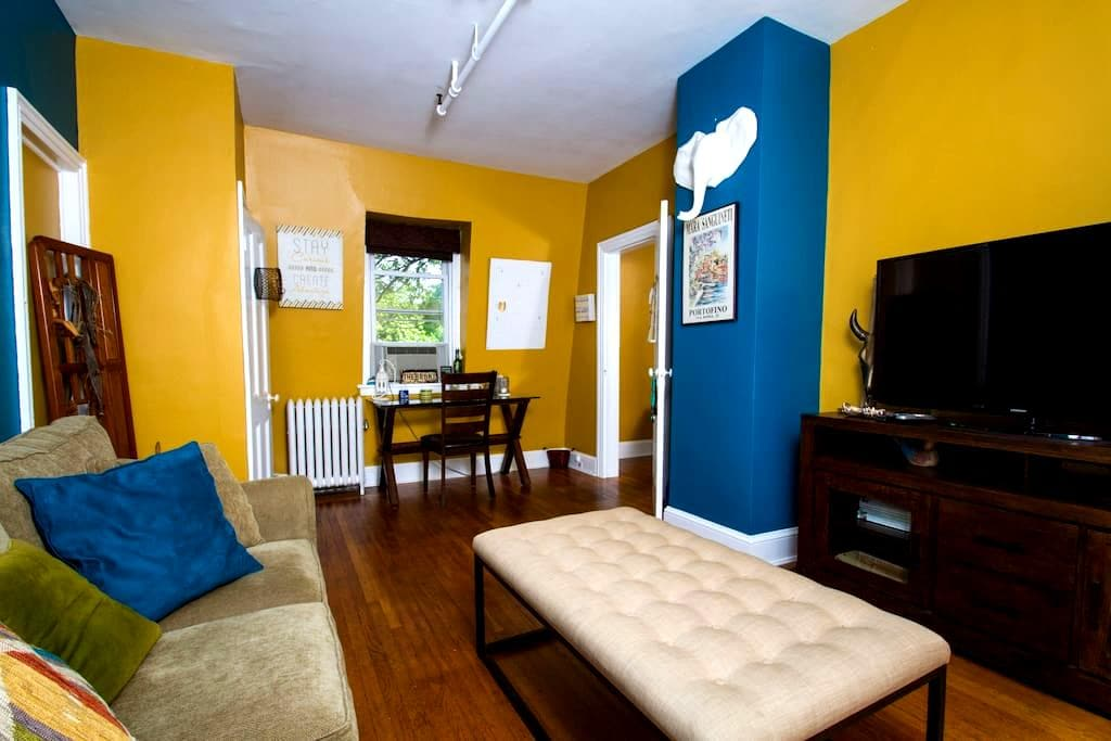 Prime Location! Charming-Colorful-Walk Everywhere! - Princeton - Lejlighed