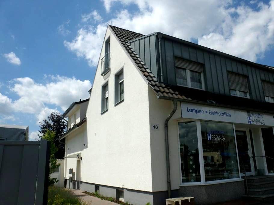 Gemütliche Wohnung mit 30qmTerrasse - Greven - Apartamento