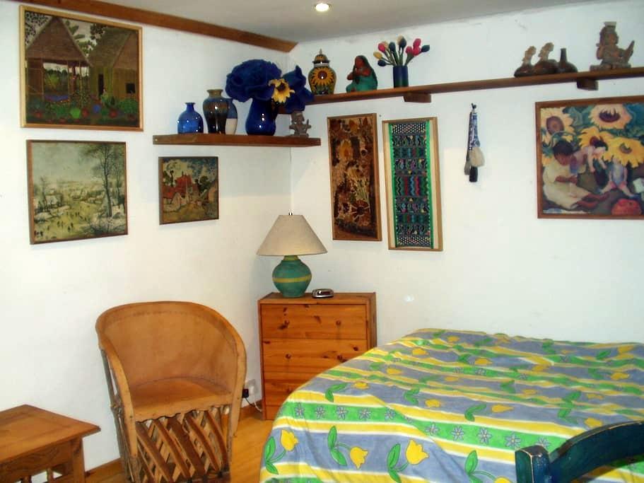 light and cozy bedroom - Chippenham