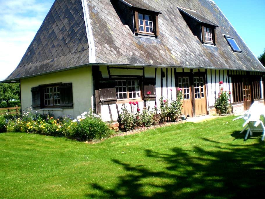 Typical Cottage in Haute-Normandie - Saint-Pierre-des-Ifs - Casa