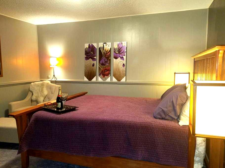 Bedroom, bathroom, kitchen, sauna - Anchorage