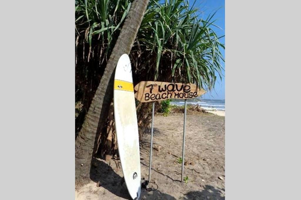 7th wave Beach House - Matara - วิลล่า