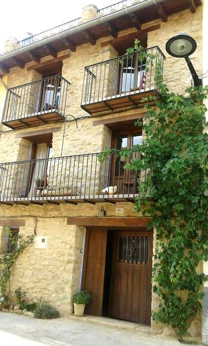 Preciosa Casa Beautiful old house - La Mata de Morella - Hus