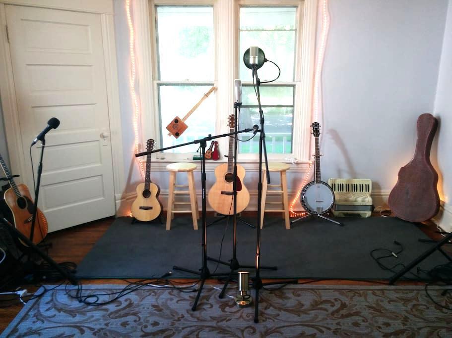 Cowboy Randy's Studio Space - Springfield - Apartemen