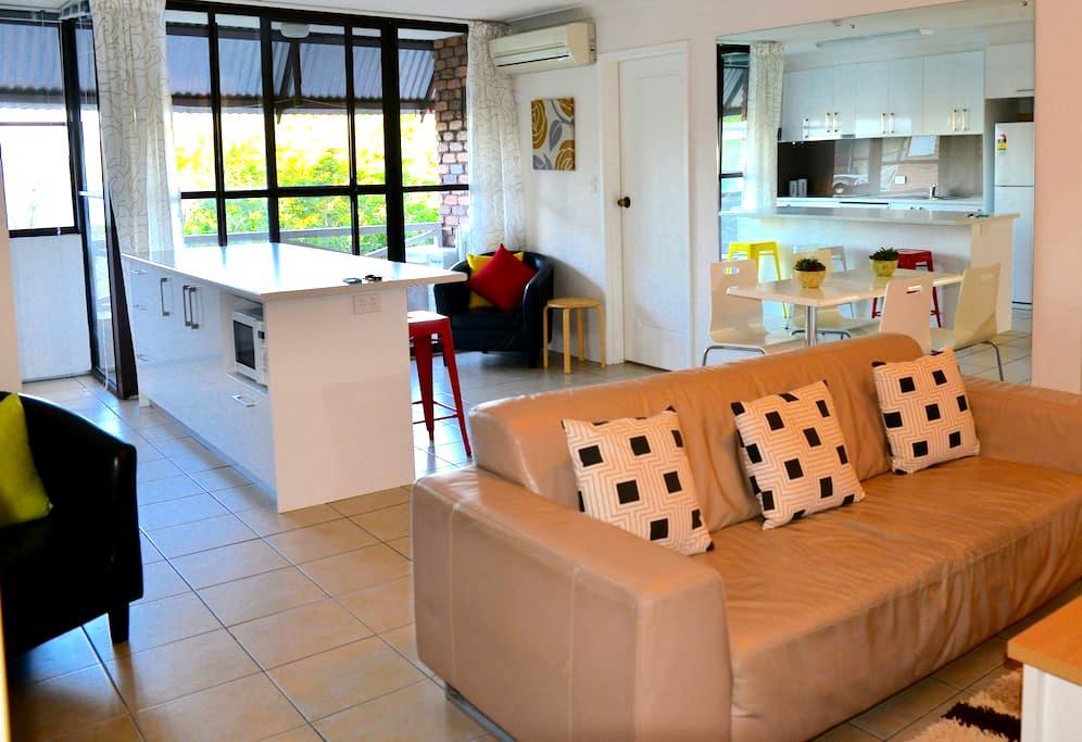 Beautiful room in CBD - Spring Hill - Lägenhet