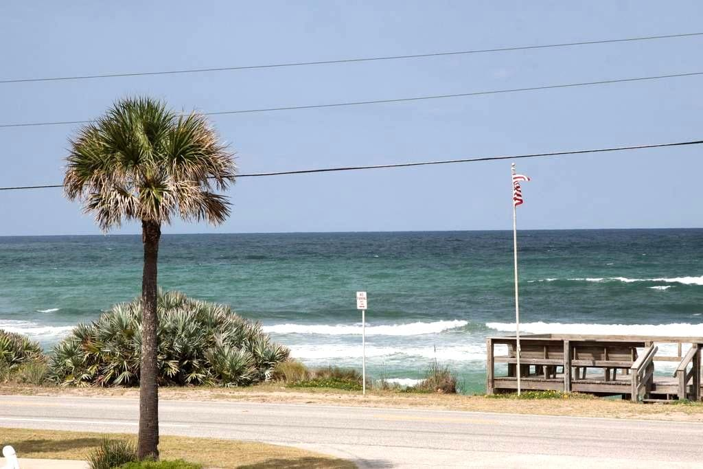 Weekly Rates Available! Oceanview, Pool, Wifi! - Ormond Beach
