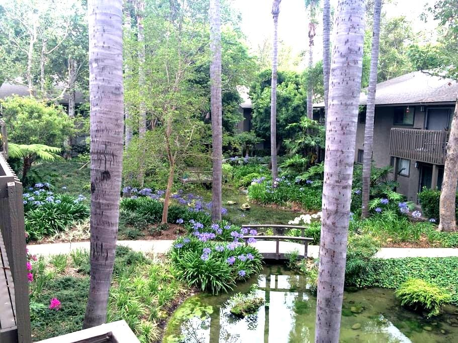Private Room in Resort Style Complex - Santa Ana - อพาร์ทเมนท์