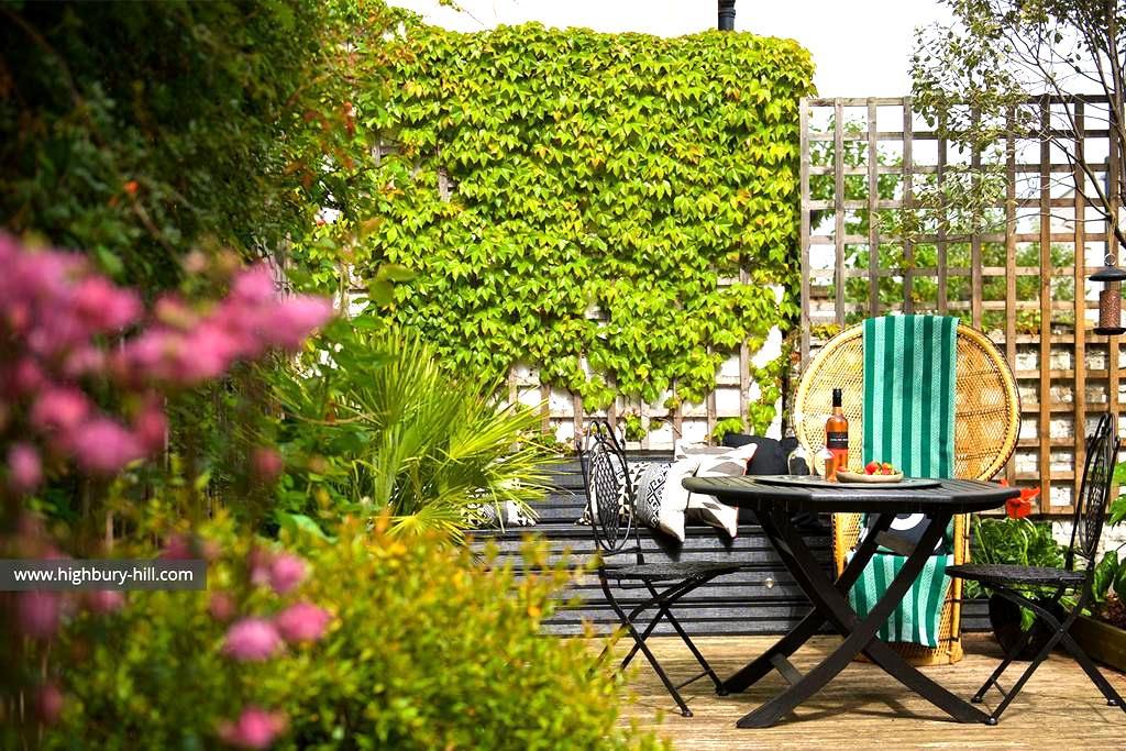 Highbury Hill Garden House: King Room - London - House