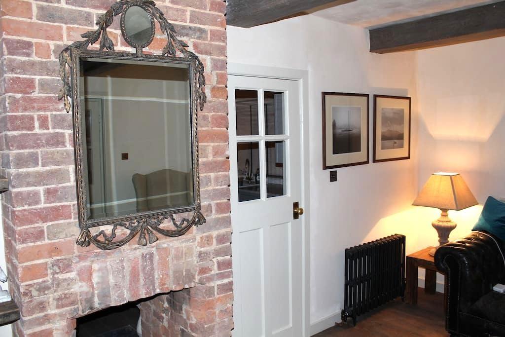 Malt Cottage,South Downs, W. Sussex - Storrington