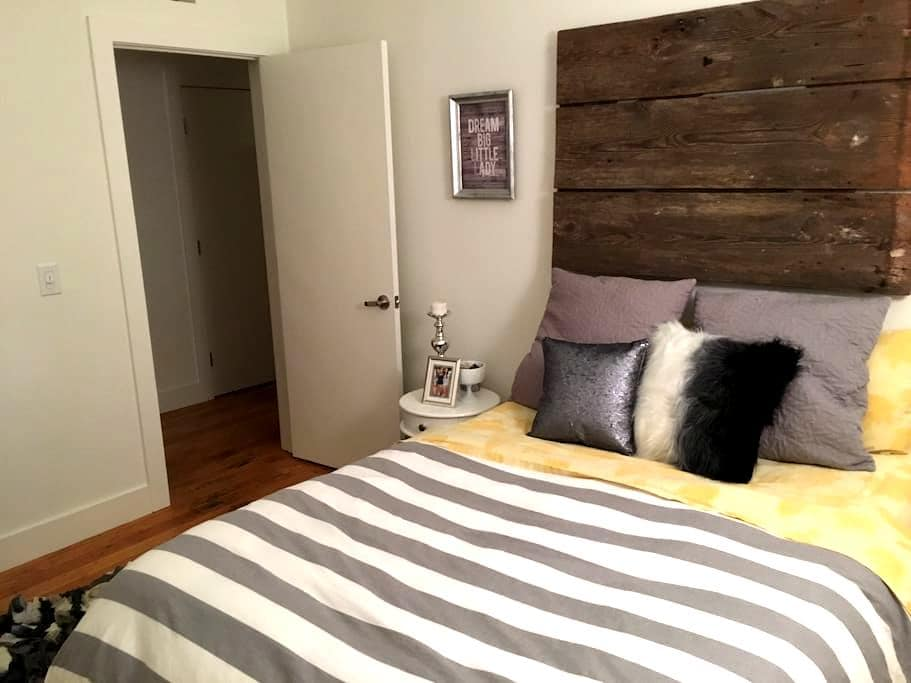 Private Bath/Bed in Luxury Loft - Winston-Salem - Loft