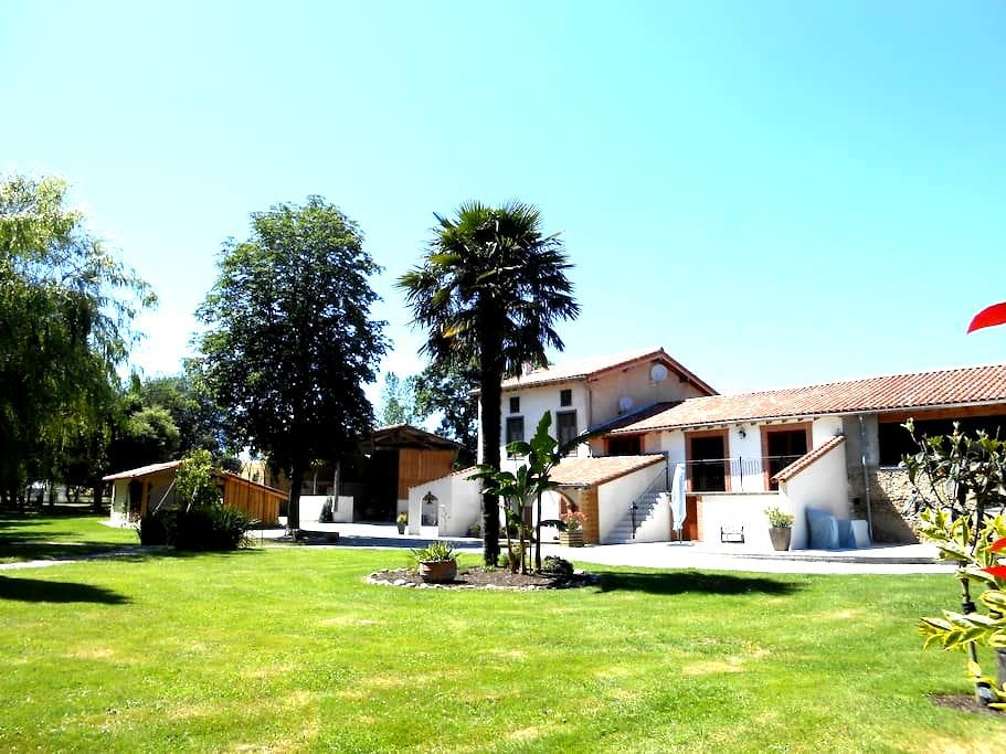 T2 indépendant attenant à la maison - La Bastide-de-Lordat - Apartmen
