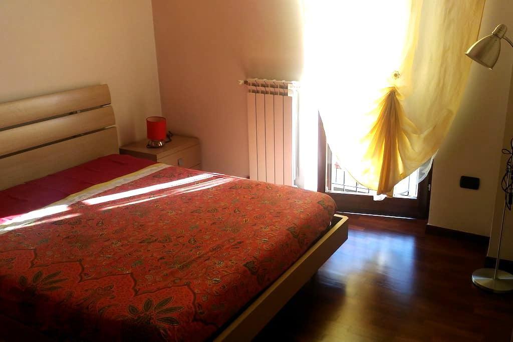 Appartamento in pieno centro, nuovissimo - Huoneisto