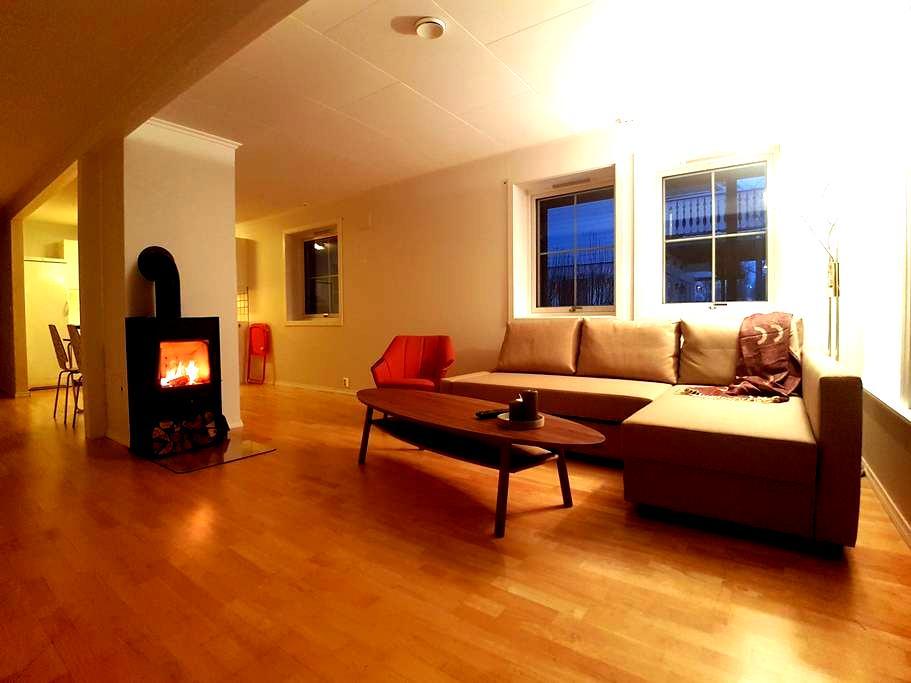 BIG high-end apartment in Tromsø. Free pickup - Tromsø - Apartamento