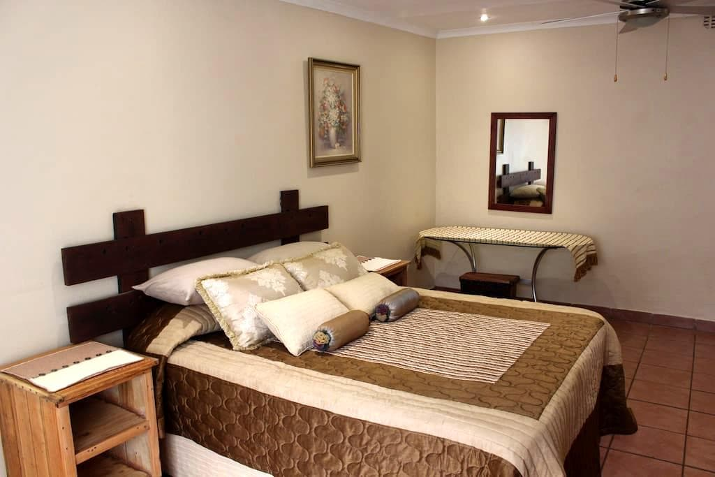 Charming Self Catering Apartment - Phalaborwa - อพาร์ทเมนท์