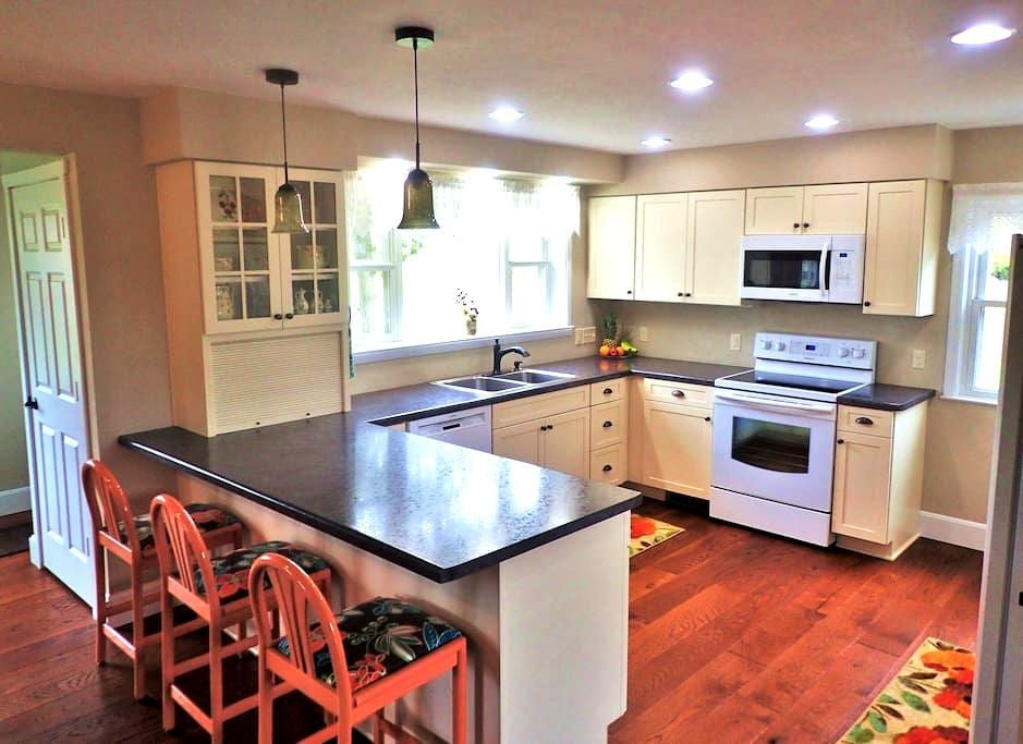Newly Renovated Country Home - Elkhart Lake