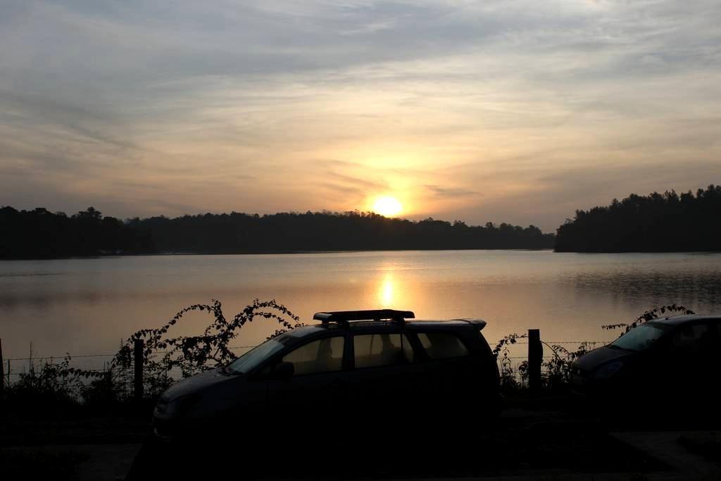 WoodPecker Lakeview Home Stay - Kodagu