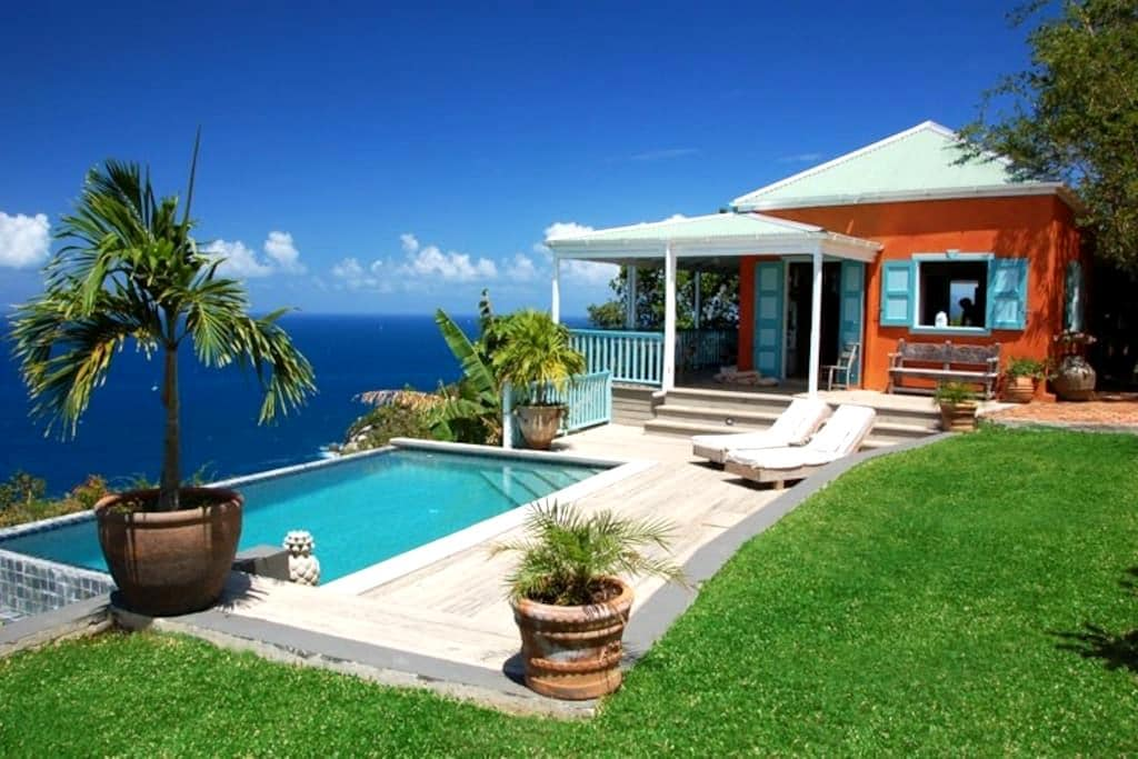 Stylish, secluded villa with pool, stunning views - Roadtown - Haus