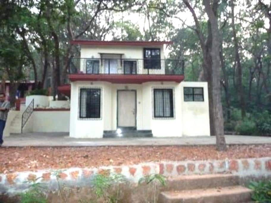 Panorama Bungalow in Matheran - Matheran - Бунгало