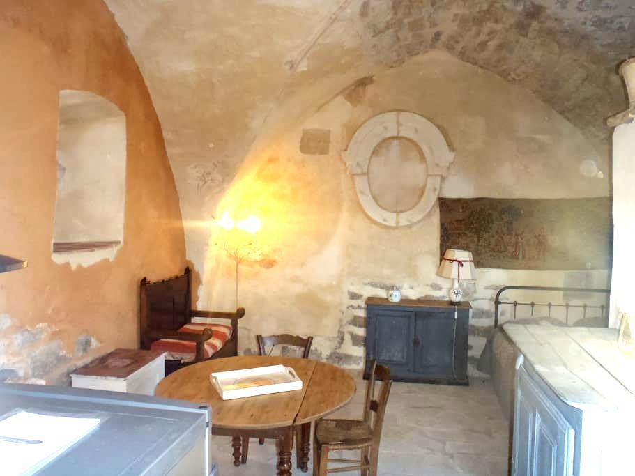 gîte  dans ancienne chapelle - Mostuéjouls - House