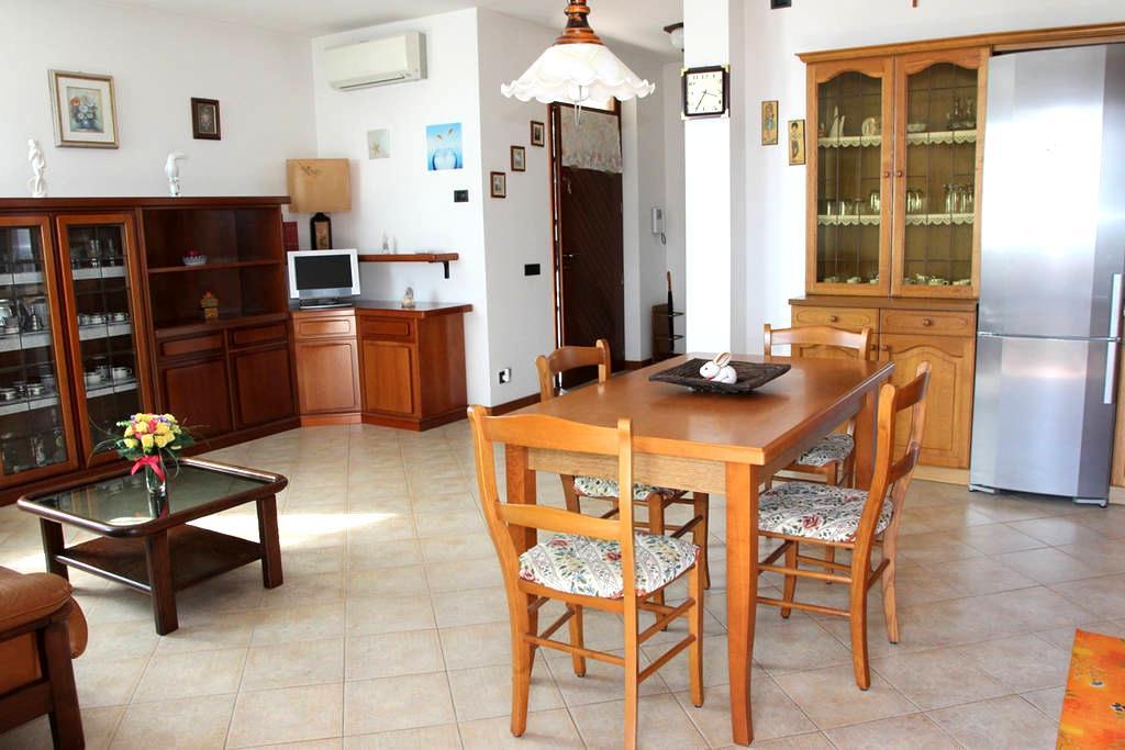 Бабушкин домик –Верона и Озеро Гарда - Sona - Квартира