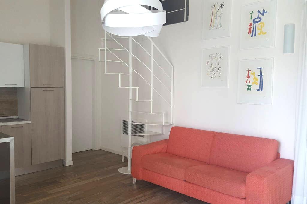 Confortevole appartamento in Brescia2 con terrazza - Brescia