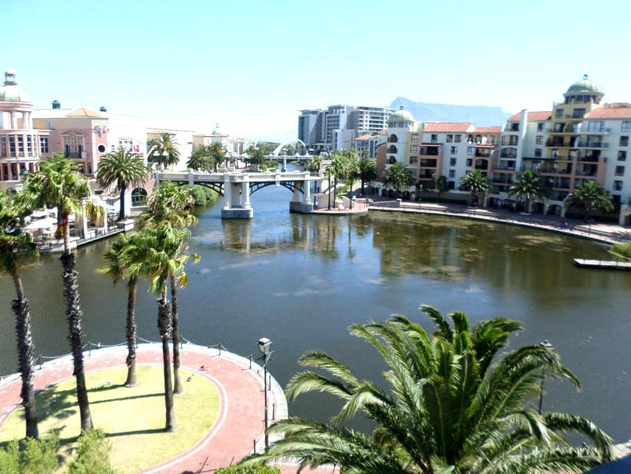 2 Bedroom Apartment in Century City - Cape Town - Huoneisto