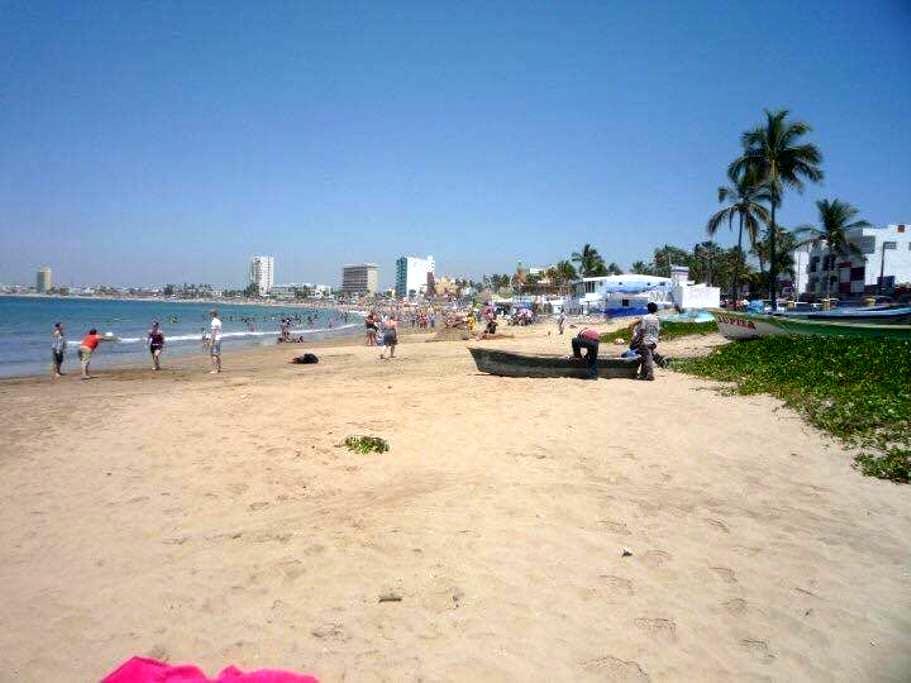 Ocean Front Apartment Near Centro - Mazatlán