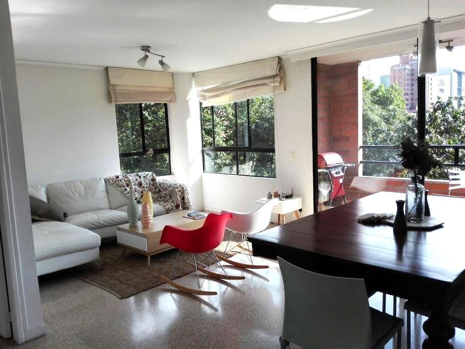 Great & Cozy apt in El Poblado! - Medellín - Huoneisto