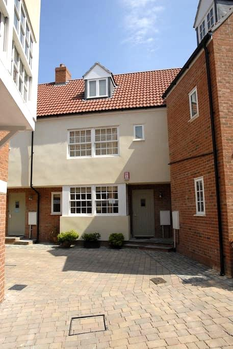 3 Bed Townhouse in Historic Wells - Wells - Haus