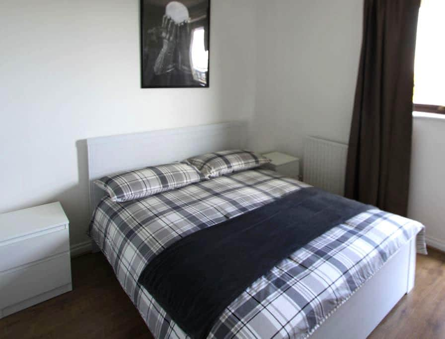 Comfortable double Room, private WC+Shower (BG-V) - London - Hus