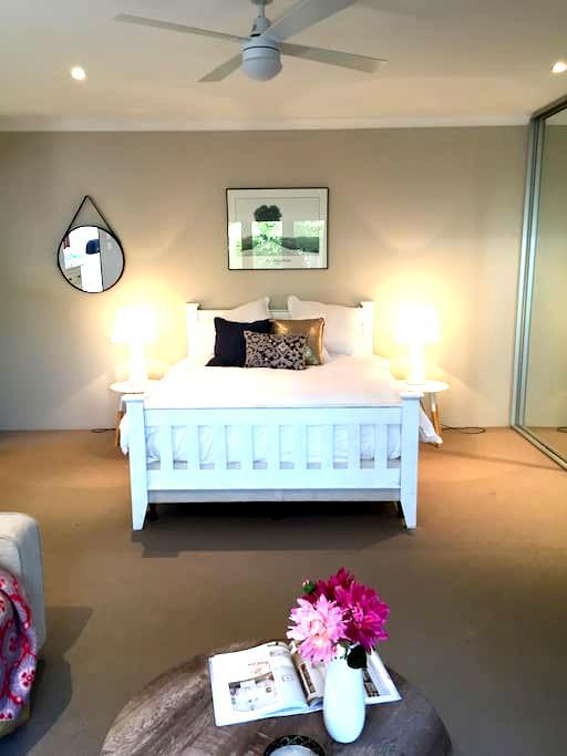 Comfy studio apartment in Cottesloe - Cottesloe - Huoneisto