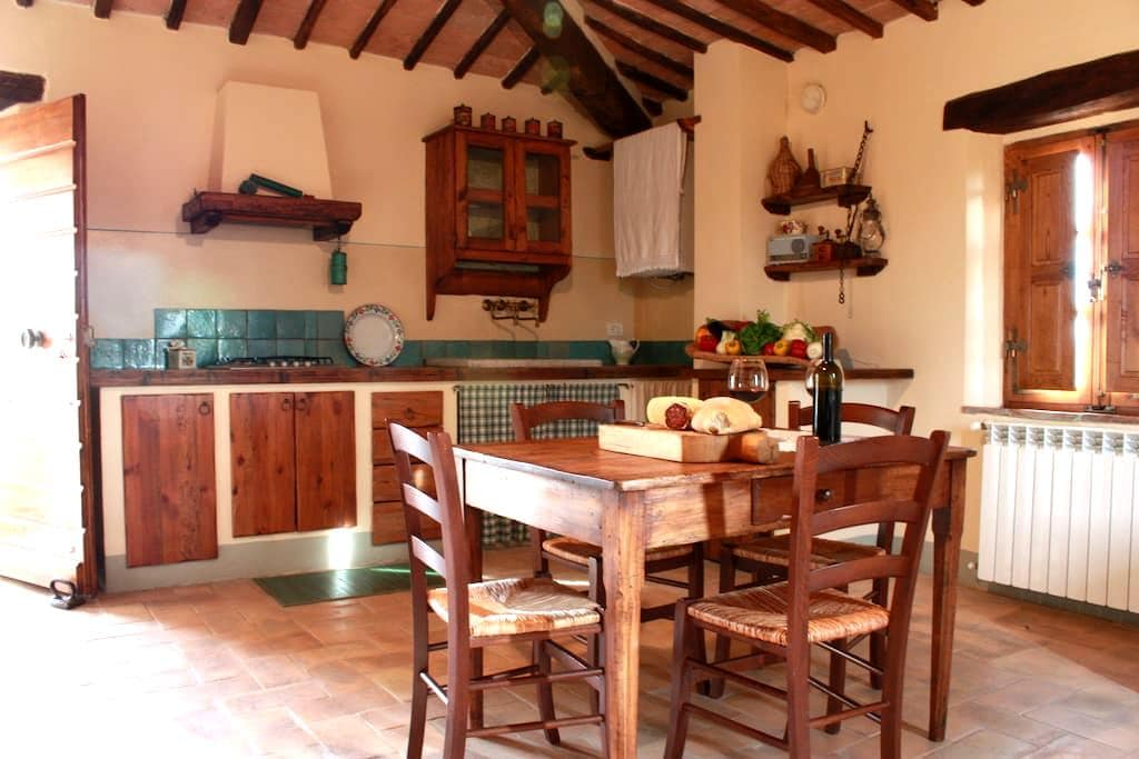 APARTMENT IN MONTALCINO COUNTRYSIDE - San Giovanni D'Asso - Rumah