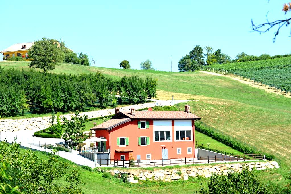 Dépendance Vista in Langa - Mondovì - Villa