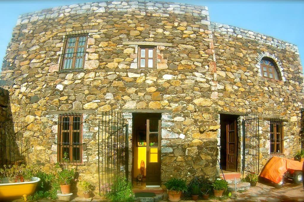 Casa Hector y Bibi, en el corazón de Real de 14 - San Luis Potosí - บ้าน