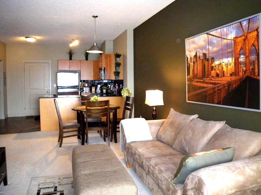 Comfortable and cozy getaway unit 5 - Calgary - Departamento