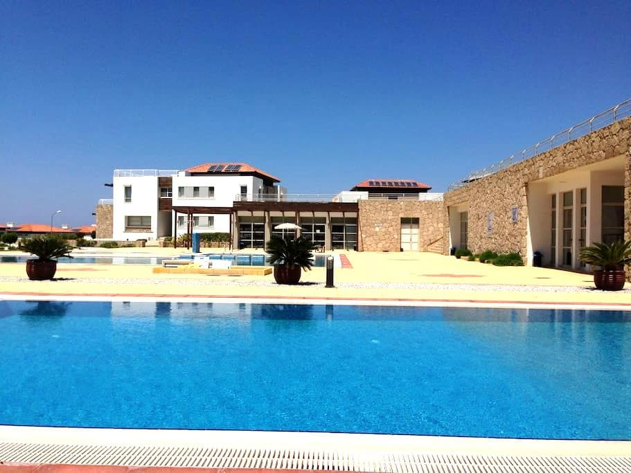 Ground floor apartment facing pool - Tatlısu