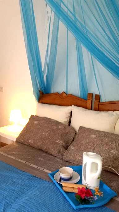 independent room , private bathroom - Santa Maria Navarrese