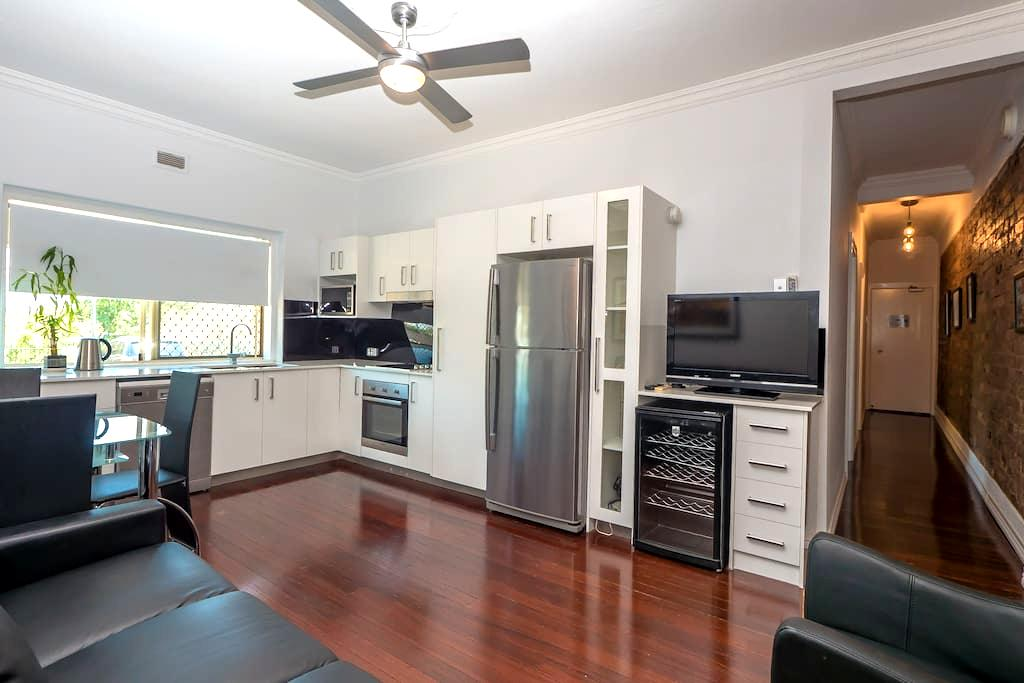 Superior  2-Bedroom Apartment - Clayfield