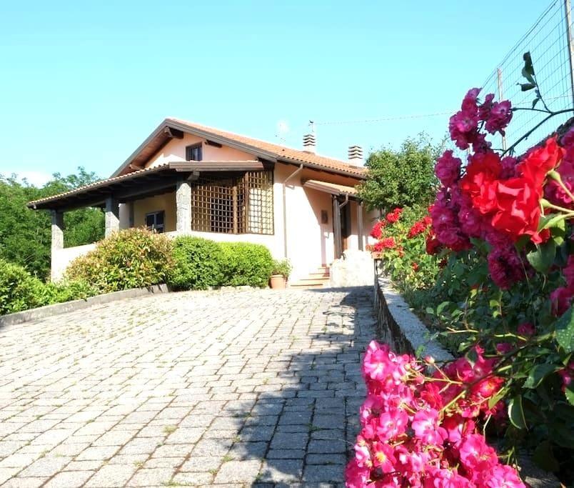 Country villa with pool near 5Terre - Quaratica