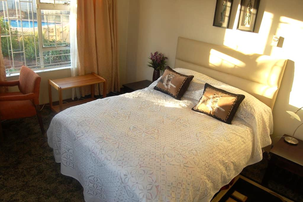 Home away from home in a great location! - Johannesburg South