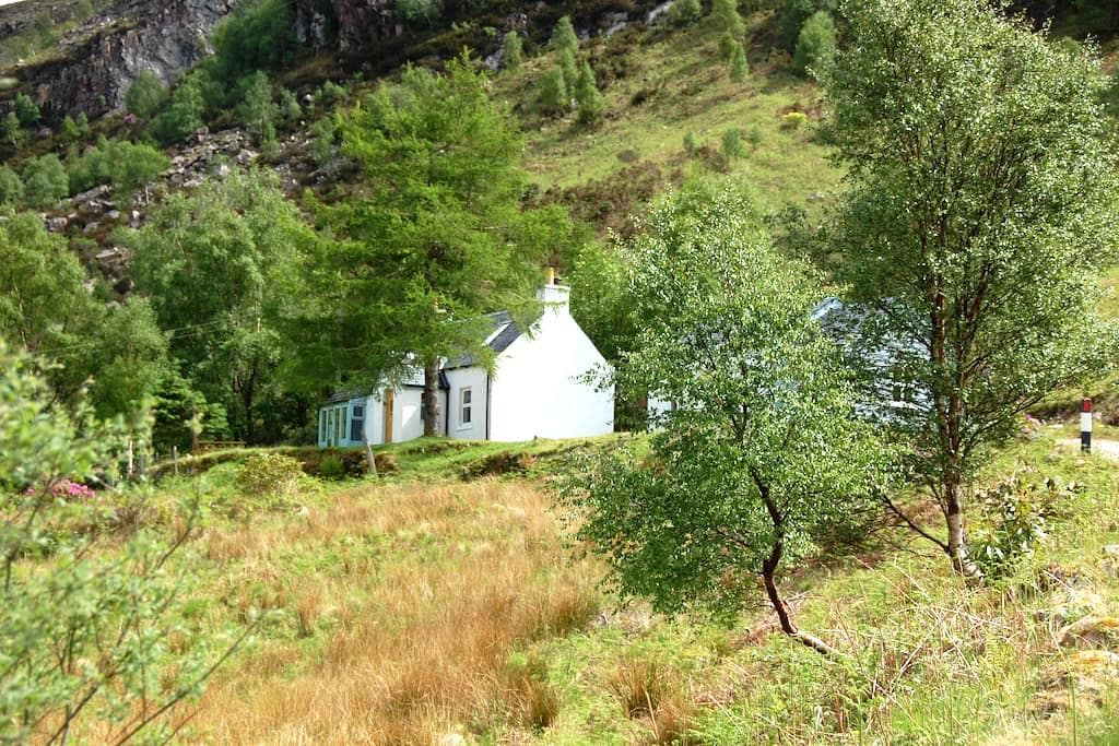 Garbhein Cottage, a highland retreat near Glencoe - Kinlochleven - Ház