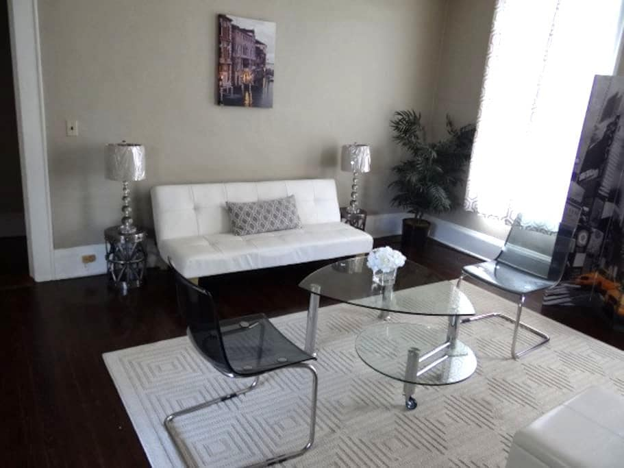 Haymount Home w/ Amenities & Maid Service-Unit B - Fayetteville - Apartemen